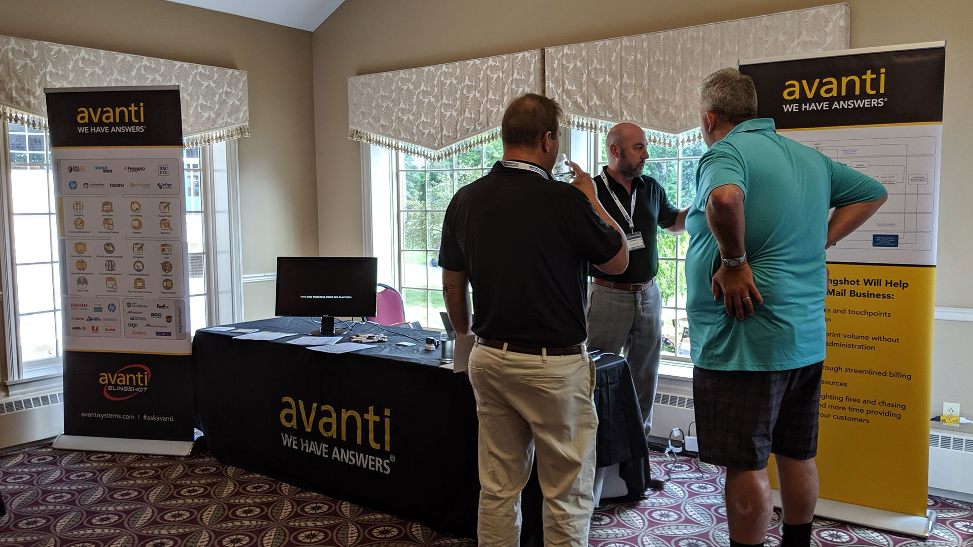 Show sponsor Avanti giving answers during the IE Meeting Zone